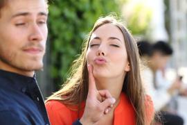 Begini Cara Pria Menolak Cinta Wanita Secara Halus