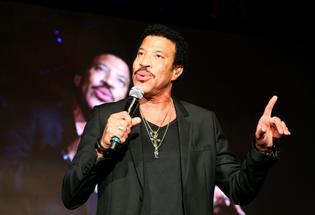 Lionel Richie: Jakarta Is Hot