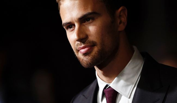 Theo-James-(7)