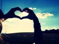 8. Tidak percaya dengan cinta pada pandangan pertama