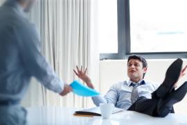Ternyata, Ini Kebiasaan yang Membuatmu Terlihat Tidak Profesional di Kantor
