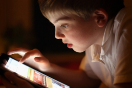 Gadget Jadi Penyebab Anak Zaman Sekarang Tak Paham Tradisi Keluarga