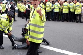 Pak Kepala Polisi Tidak Memakai Sepatu